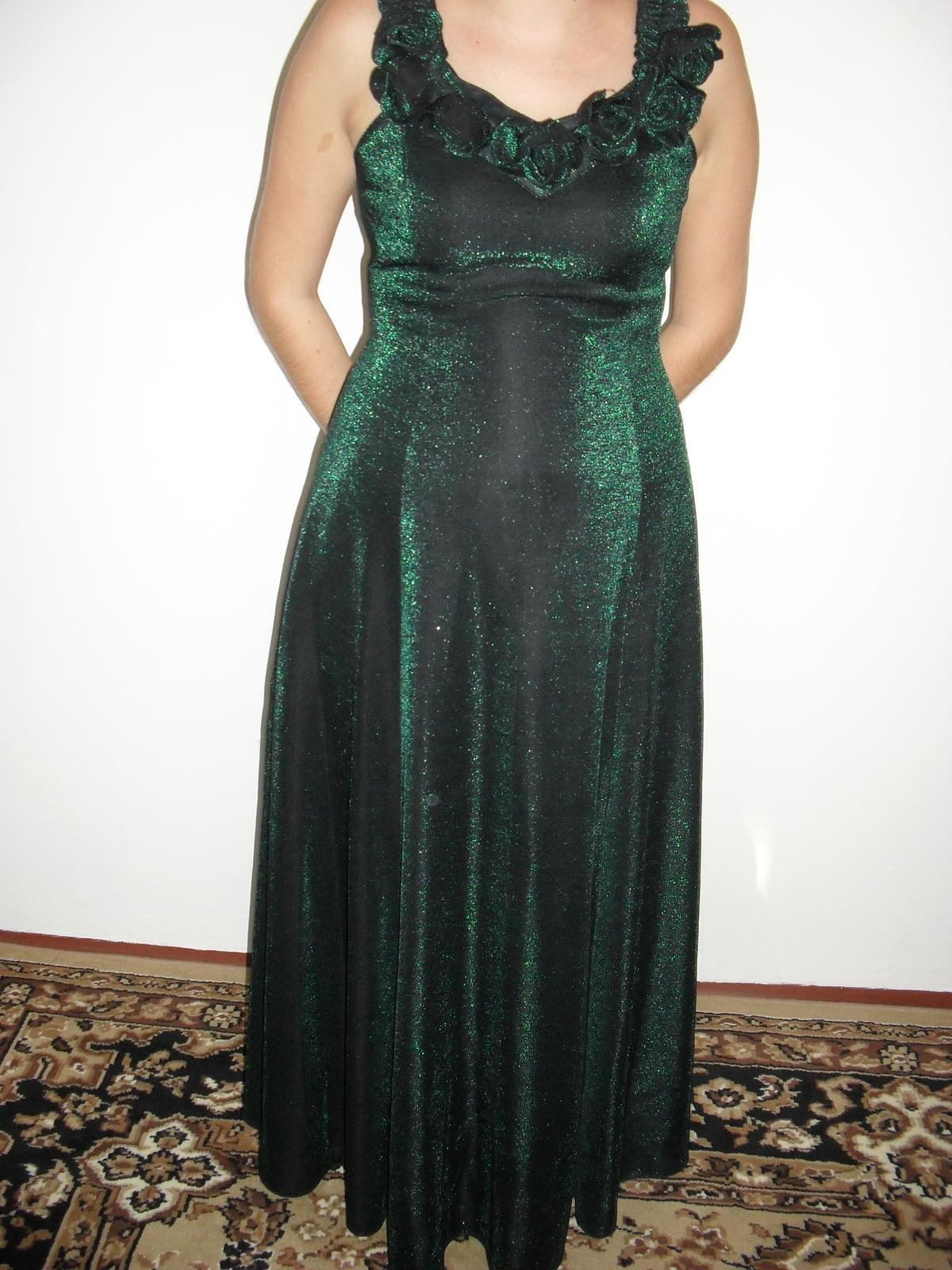 Olivovo-zelené šaty s ružičkami 13fa4653ad6