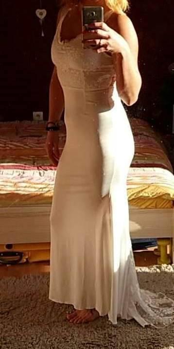 Šaty ,