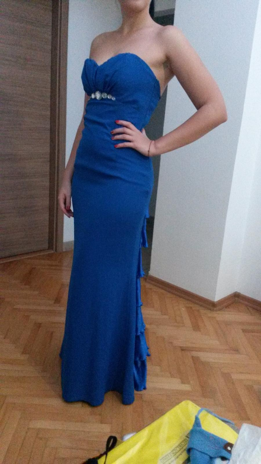 Kráľovsko modré šaty s rybím chvostom 976d353f6ee