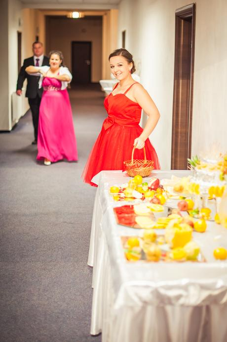 Červené šaty aj na redový tanec , 40