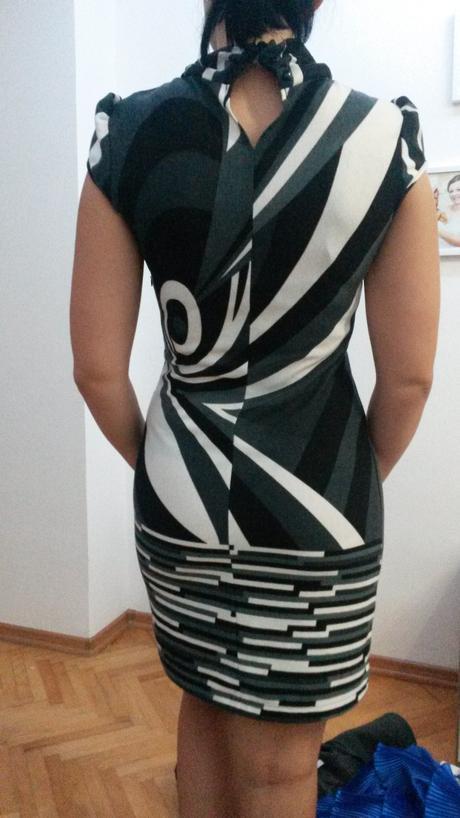 Čierno biele šaty s mašľou, 38