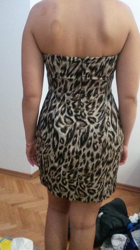 Korzetové tigrované šaty, 36