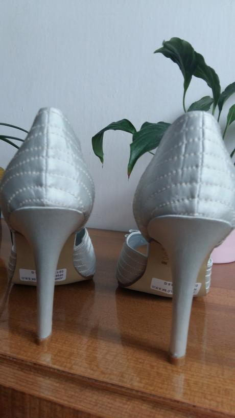 Strieborné topánky nepoužité , 38
