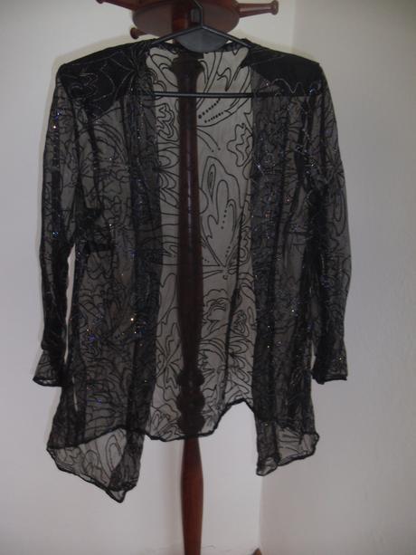 Čierny kabátik s flitrovaným vzorom, 42