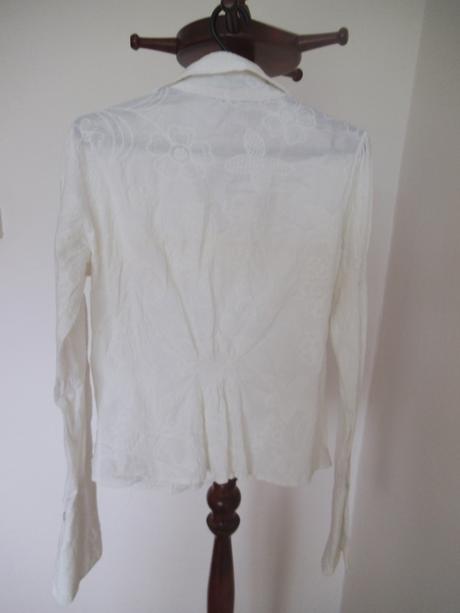 Košeľa s výšivkou, 38