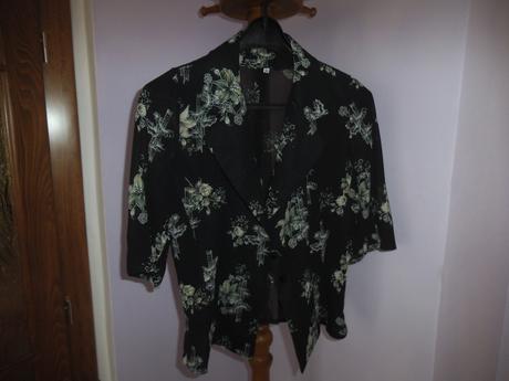 Šaty s kvetmi, 40