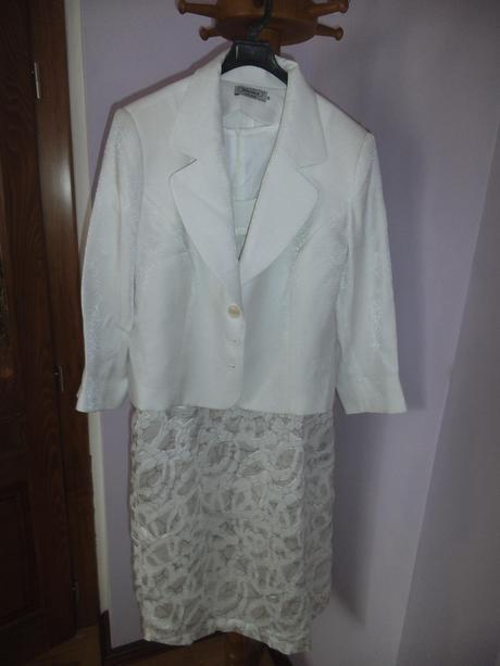 Slávnostné šaty, 44