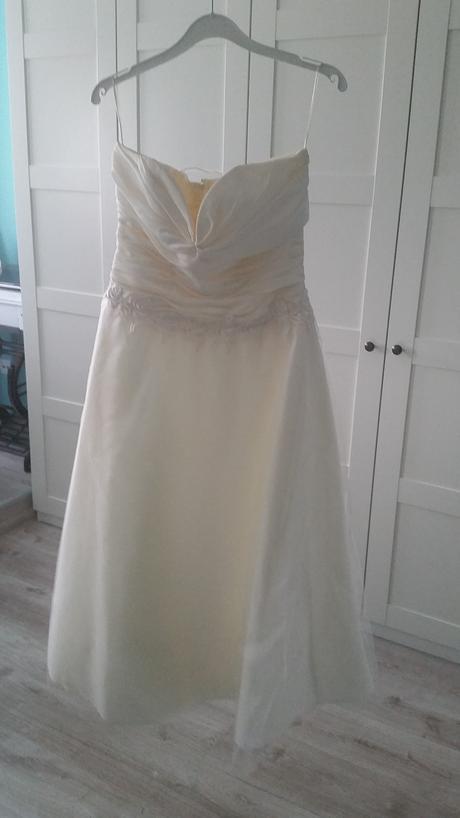 krémové šaty , 40