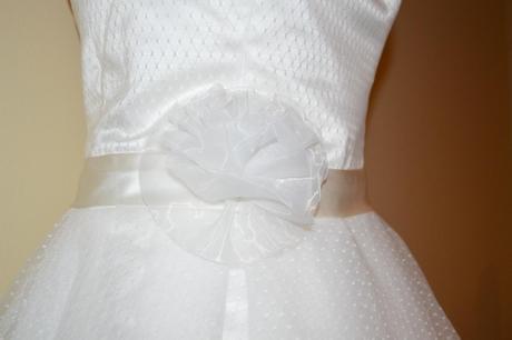 Krátké tylové svatební šaty, 40