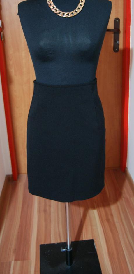 Čierna sukňa na pás, 36