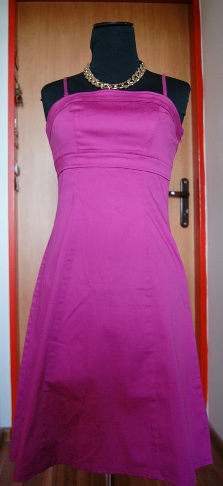 Cyklamenové šaty, 38