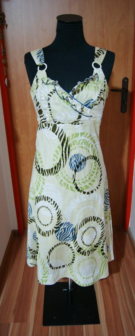 De Facto šaty, XL