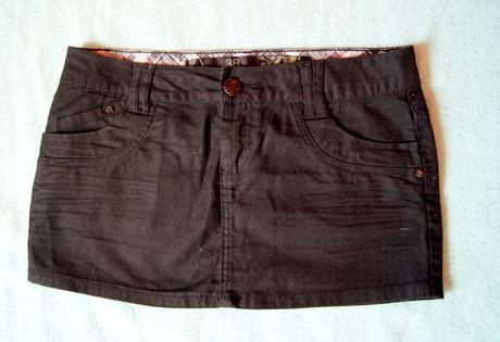 Mini sukňa, 38