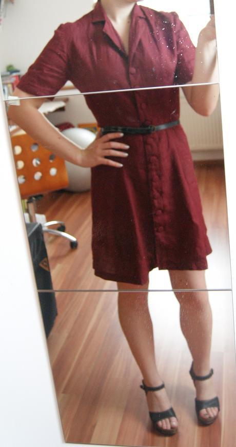 Retro bordové šaty, 40