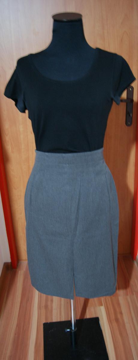 Sivá sukňa na pás Betty Barclay, 36