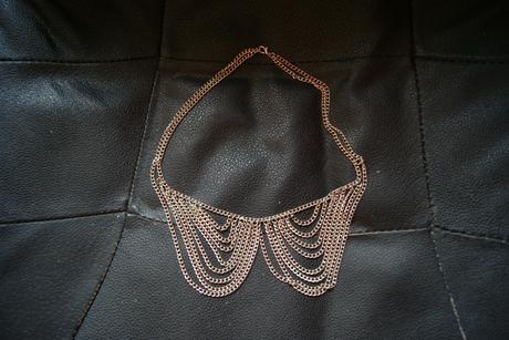 Zaujímavý retiazkový náhrdelník,