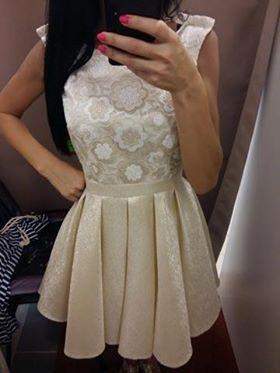 zlaté šaty, 34