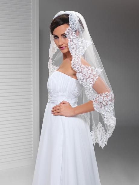 krajkový svatební závoj,