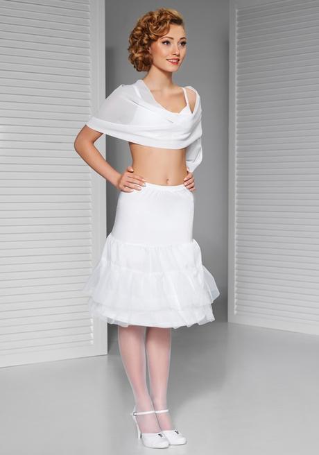 krátká svatební spodnice,