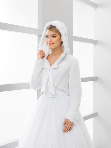 svatební kožíšek s kapucí,