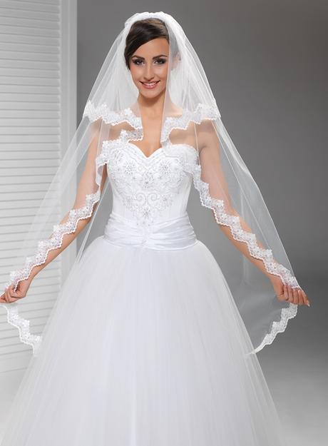 svatební závoj, krajka,