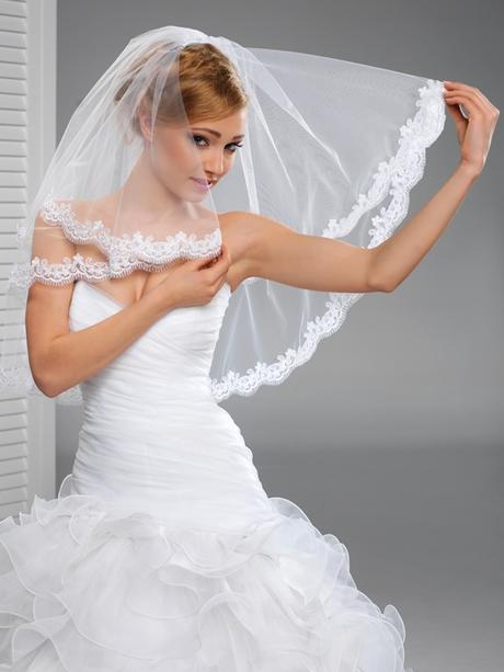 svatební závoj krajkový,