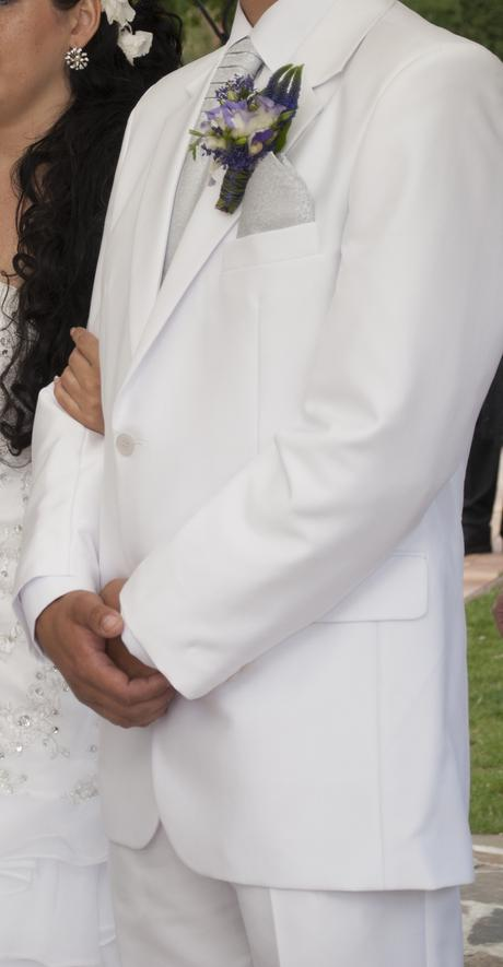 Bílý svatební oblek, 32