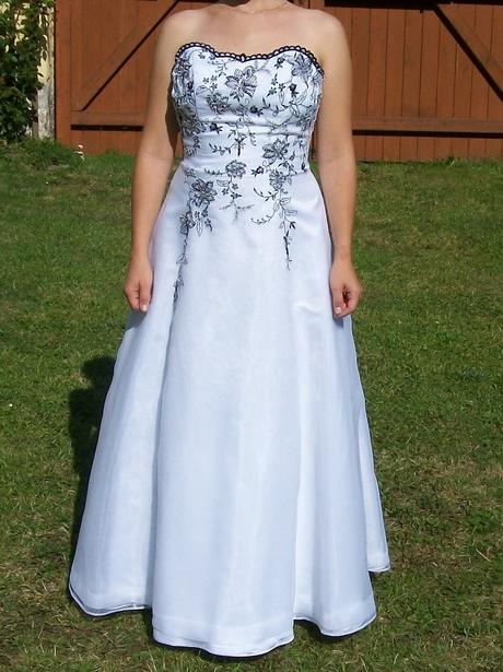 Svatební / plesové šaty, 38