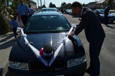 Dekorace auta ženich i nevěsta,