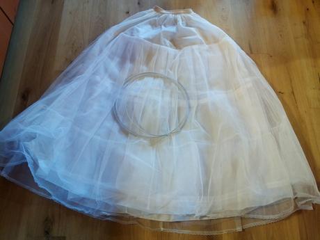Kruhová spodnice,