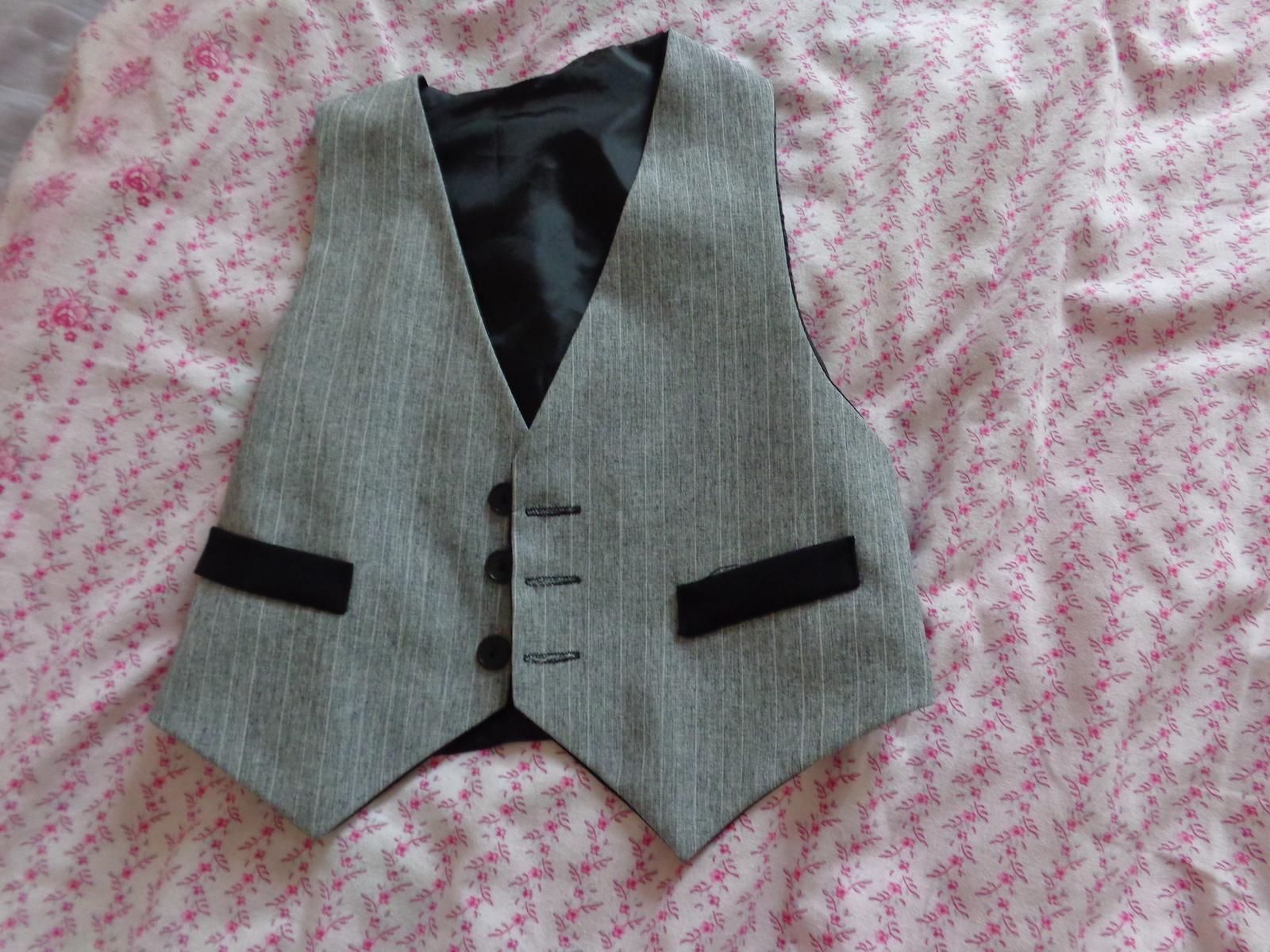 640b579e5b Chlapecký oblek