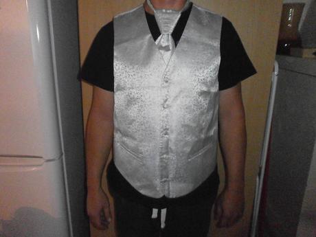 Vesta a francuzska kravata, 56