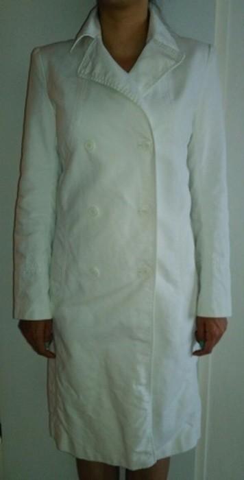 Bílý prošívaný dlouhý trenčkot/baloňák/kabát , 36