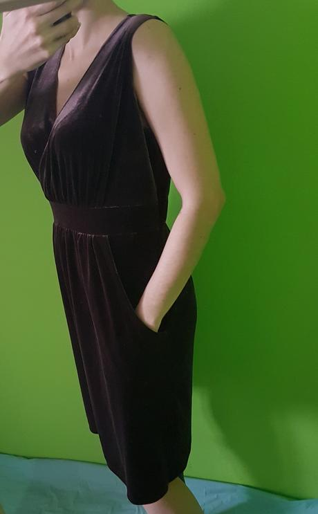 Pohodné pružné šaty vel. s,m, S