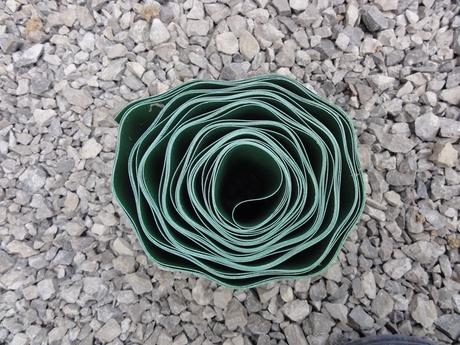 zahradny travnikovy lem, plastova obruba,