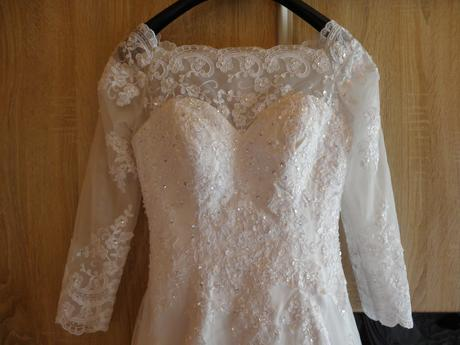 Svadobné šaty dlhý rukáv, krajka, 38