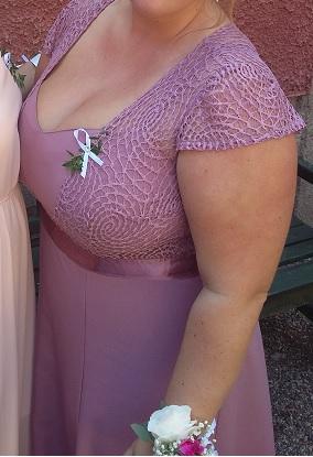 fialovo růžové společenské šaty, 46
