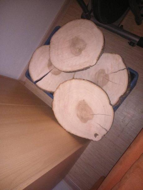 Dřevěné kola pod dorty,