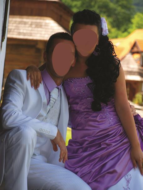 Svadobný oblek , 46