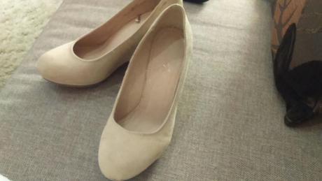 Krémové topánky, 37