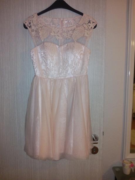 Krátke Tylove šaty , 36