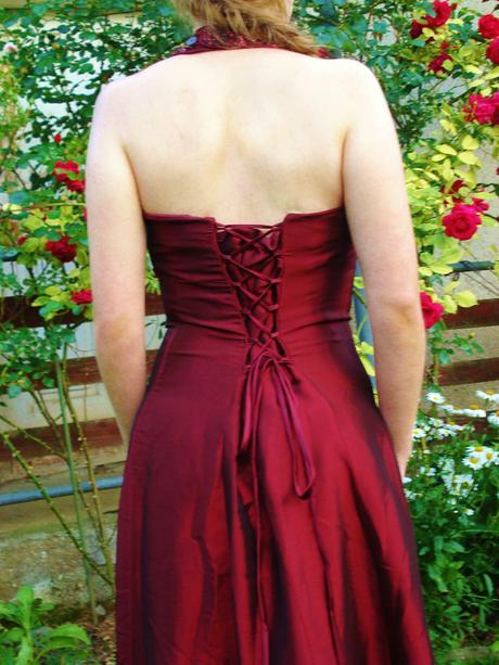 Vínovočervené šaty, M