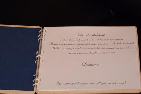Dřevěná svatební kniha hostů nebo fotoalbum,
