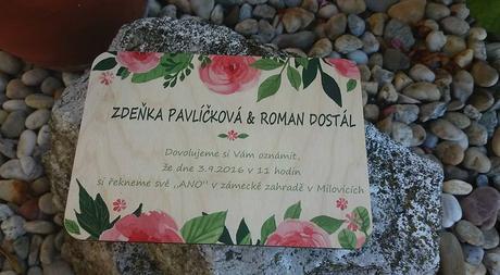 Dřevěné svatební oznámení s potiskem na dřevě,