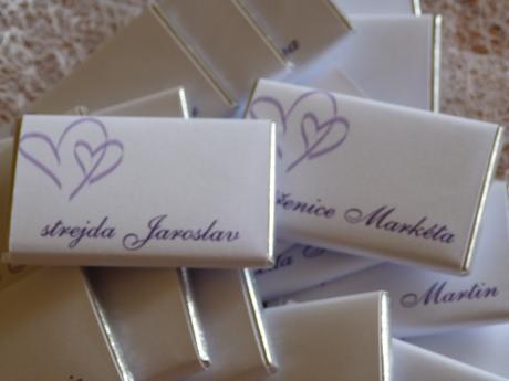 Jmenovky a dárek pro svatebčany v jednom,