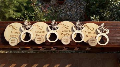 Originální dřevěné svatební jmenovky,