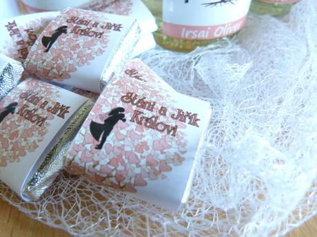 Svatební minivíno, čokoládky,