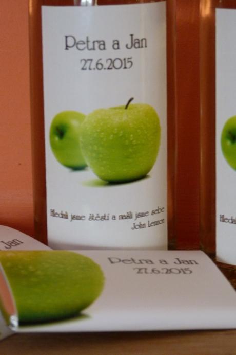 Víno a minivíno s originální etiketou,