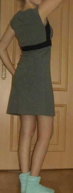 Kvalitné šaty vhodné aj na zimu, 38