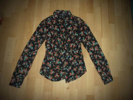 Kvetovaná košeľa, 38